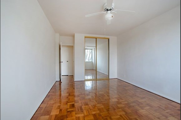 Rittenhouse Apartments Bedroom