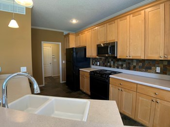 9227 Boehm Drive 3 Beds Townhouse for Rent Photo Gallery 1