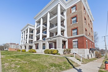 1614 Linwood Boulevard 2 Beds Apartment for Rent Photo Gallery 1