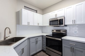 7611 South 36th Street 1-3 Beds Apartment for Rent Photo Gallery 1