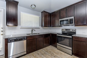 1420 Walden Pond Drive 3 Beds Apartment for Rent Photo Gallery 1