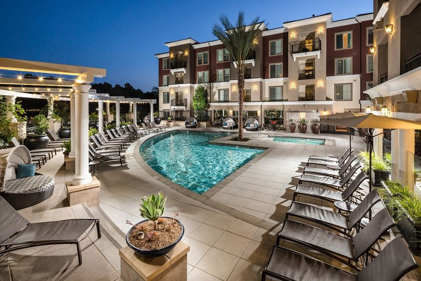 1 Ave_5_Adagio_Pool_Twilght_Mission Viejo CA