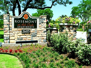 1122 Chesapeake Drive 1-3 Beds Apartment for Rent Photo Gallery 1