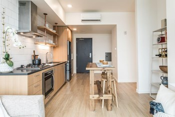 230 SW Ash St. Studio-1 Bed Apartment for Rent Photo Gallery 1