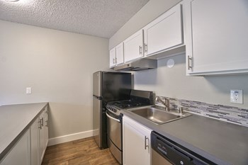 165 SW Eastman Pkwy #30 Studio Apartment for Rent Photo Gallery 1