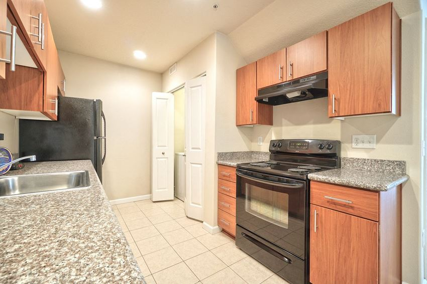 Creekview Crossing Apartments Kitchen