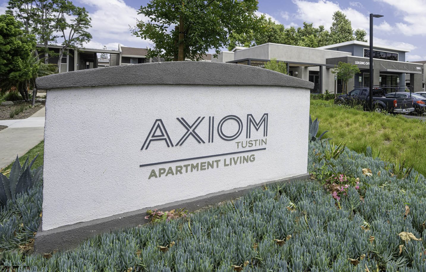 Axiom Tustin Apartments Exterior