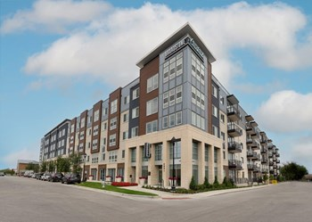 200 W. Daggett Avenue 1-2 Beds Apartment for Rent Photo Gallery 1