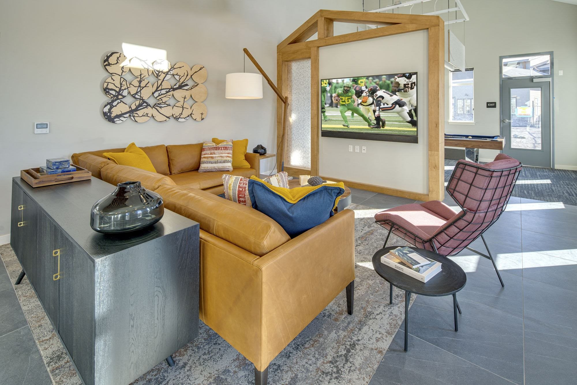 CypressTripleRidge_Redmond_OR_Home_Lounge