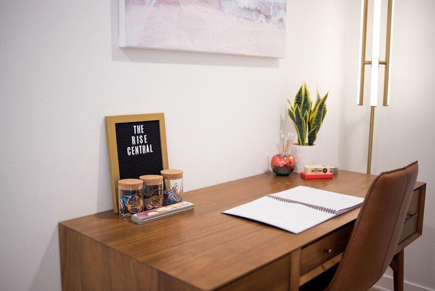 ArcCentral_Beaverton_OR_Interior_Desk
