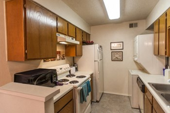 1501 S Loop 256 1-2 Beds Apartment for Rent Photo Gallery 1