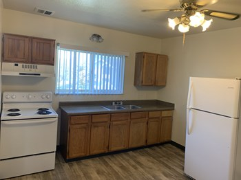 3690 Highland Drive 3 Beds Apartment for Rent Photo Gallery 1