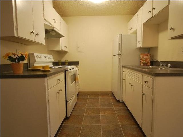 Wisteria Walk Apartments Kitchen