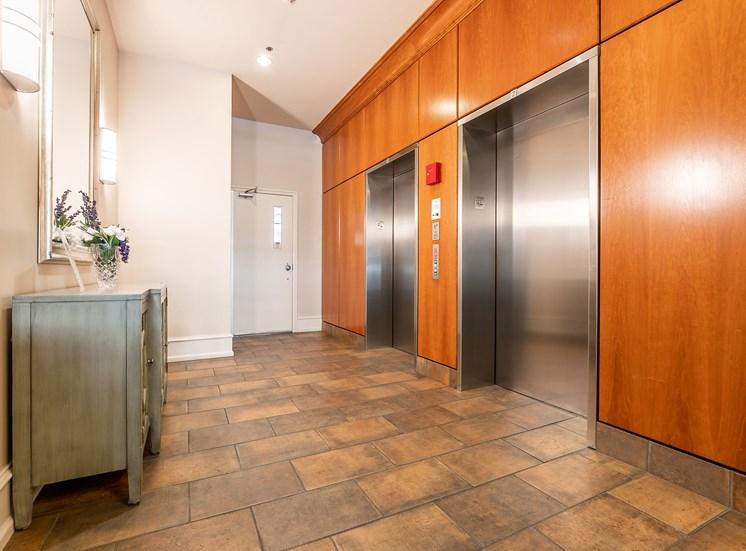 WA_Seattle_UptownQueenAnne_Lobby Elevator Bank
