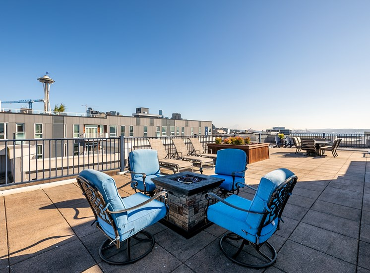 WA_Seattle_UptownQueenAnne_Rooftop Patio Seating