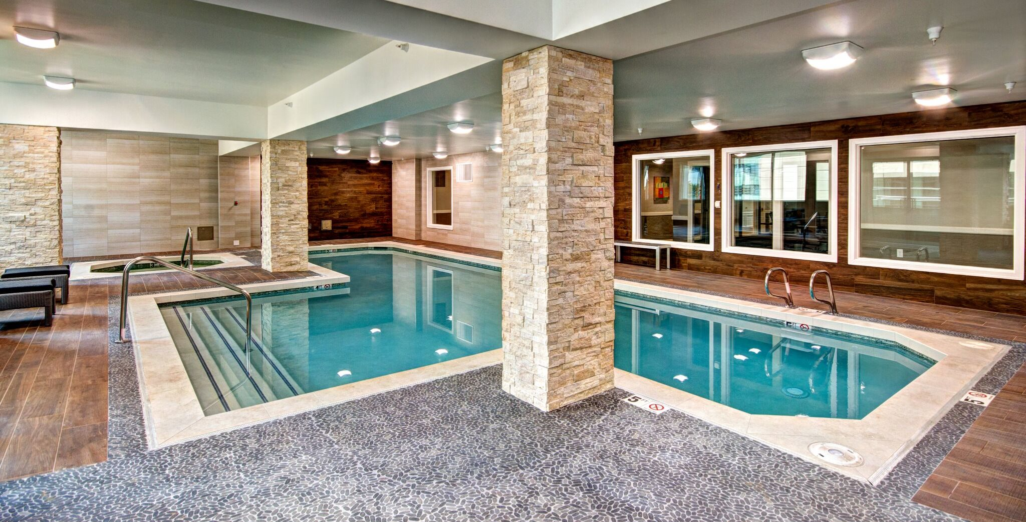 Met Tower Apartments Indoor Pool Area