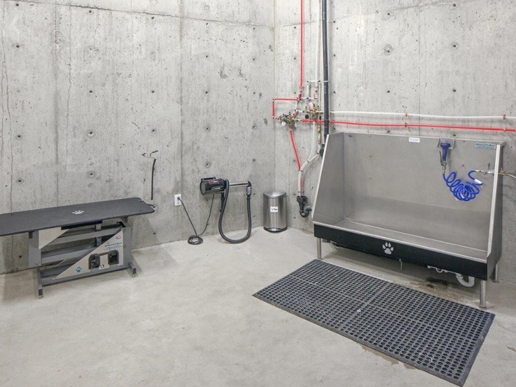 Boathouse Apartments Dog Washing Station