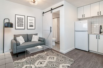 120 W 3Rd Avenue Studio Apartment for Rent Photo Gallery 1