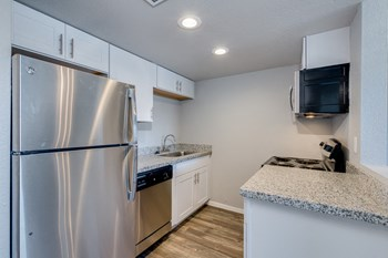 4336 North 35Th Avenue Studio Apartment for Rent Photo Gallery 1