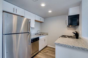 4336 North 35th Avenue Studio-2 Beds Apartment for Rent Photo Gallery 1