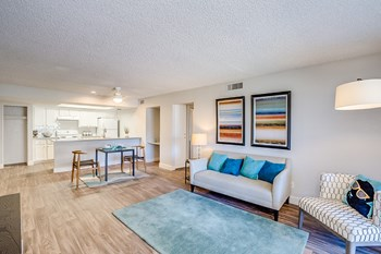 1820 W Lindner Ave 2 Beds Apartment for Rent Photo Gallery 1