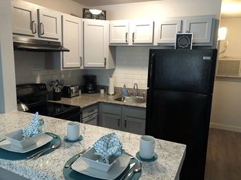 8818 S. Central Ave Studio-2 Beds Apartment for Rent Photo Gallery 1