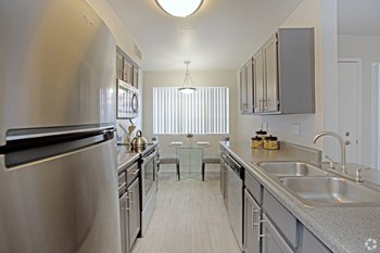 4748 W. Sierra Vista Drive 1-2 Beds Apartment for Rent Photo Gallery 1