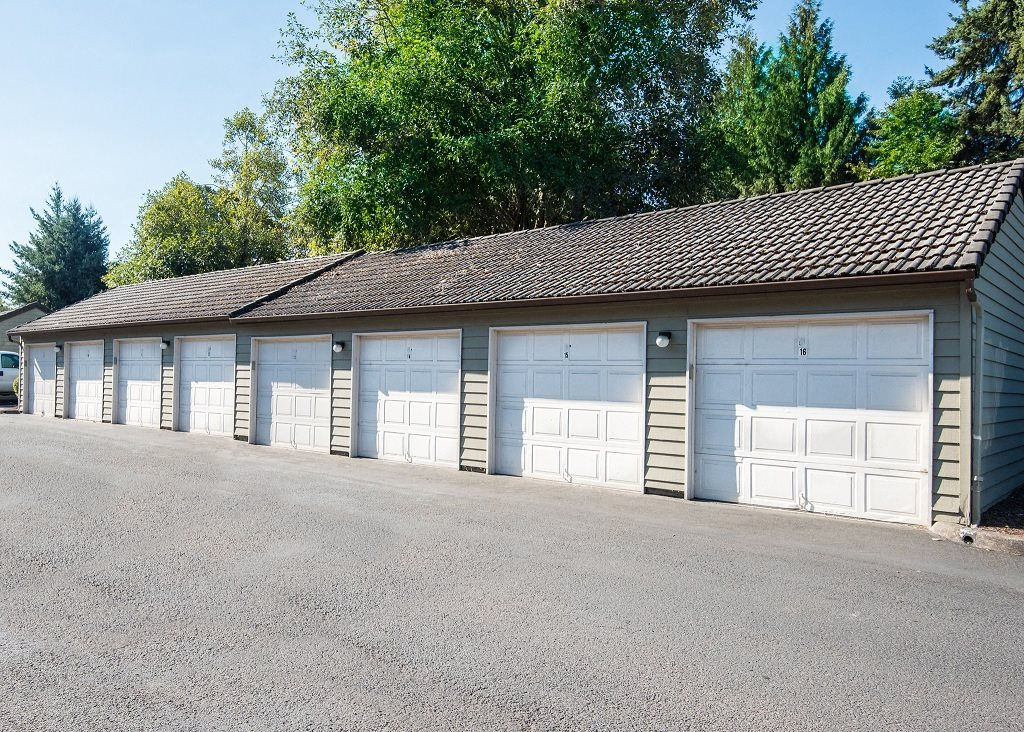 Creekside Village Garages