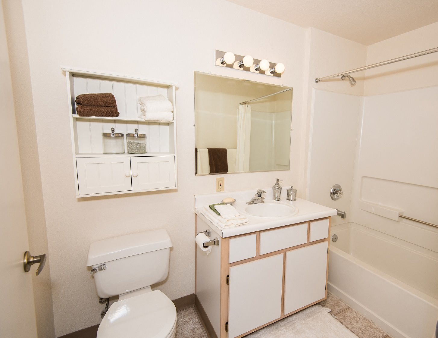 Creekside Village Model Main Bathroom