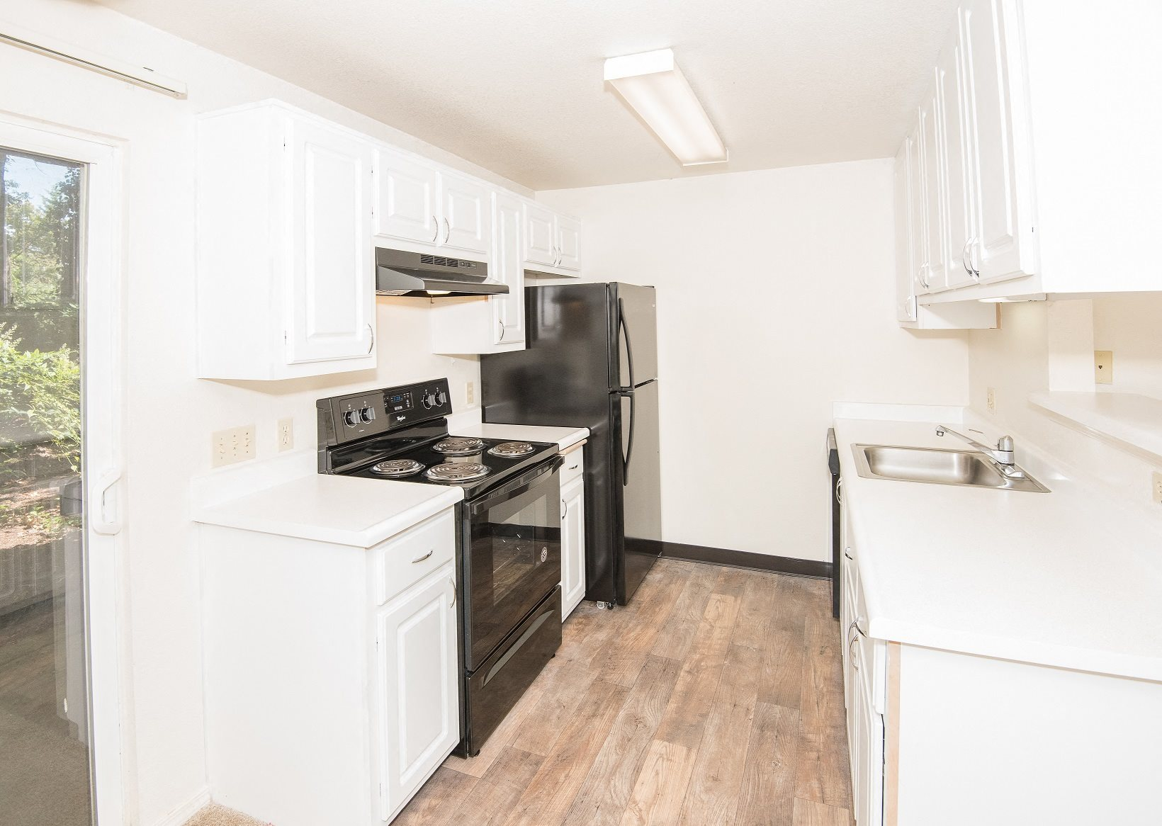Creekside Village Vacant Upgraded Kitchen