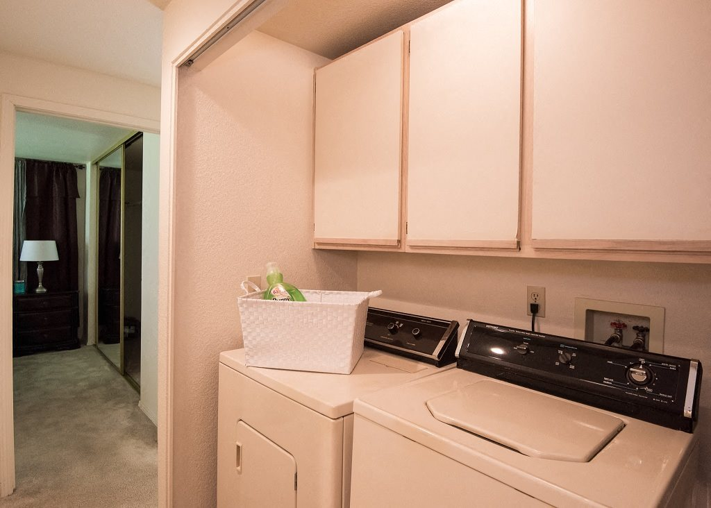 Crown Court Model Apartment Laundry Washer & Dryer