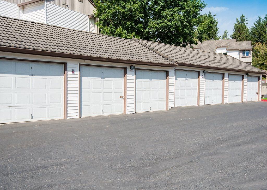 Elmonica Court Garages