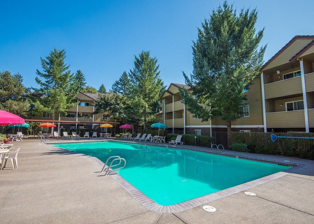 Hathaway Court Pool & Sundeck