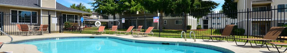 Maple Pointe Apartments Pool with Chaise Lounges