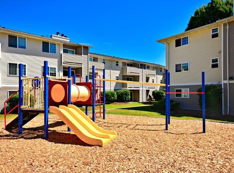 Maple Pointe Playground