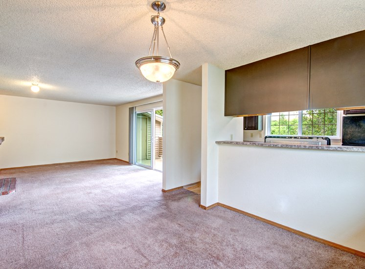 Maple Pointe Vacant Apartment Dining Room