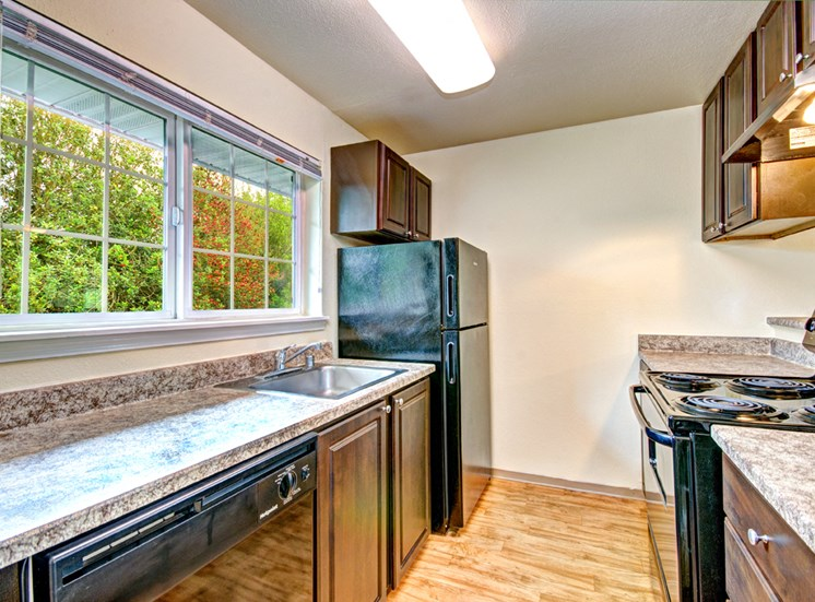 Maple Pointe Vacant Apartment Upgraded Kitchen