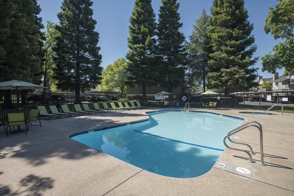 Pepperwood Roseville CA Pool & Sundeck