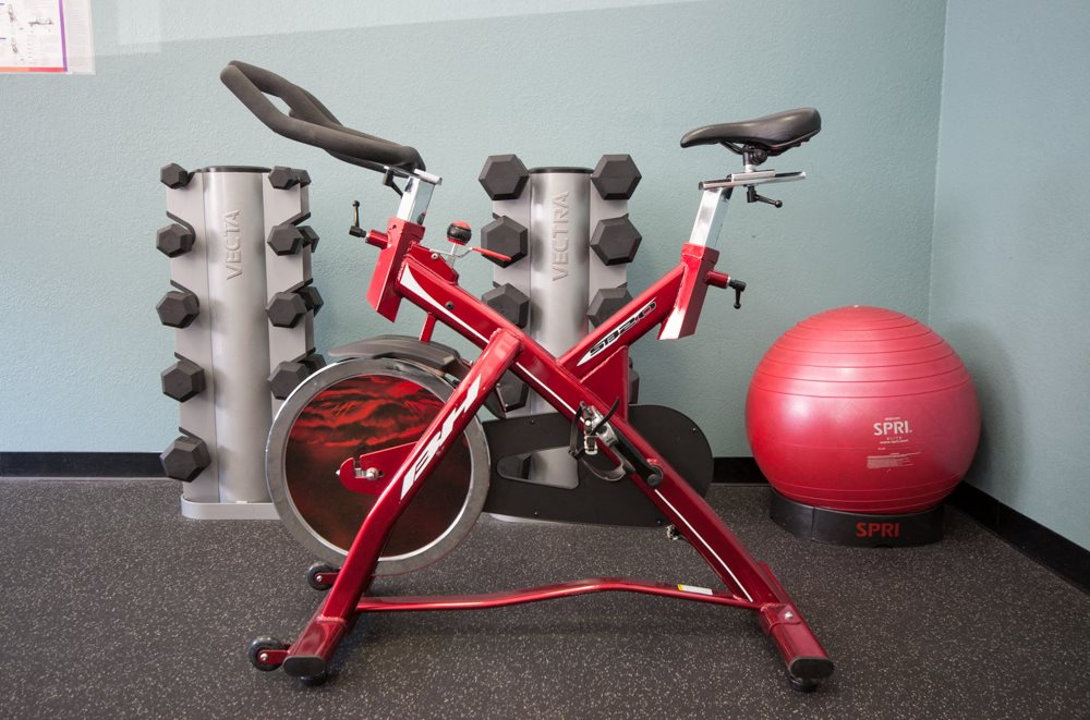 Riverwood Apartments Fitness Center Stationary Bike & Free Weights
