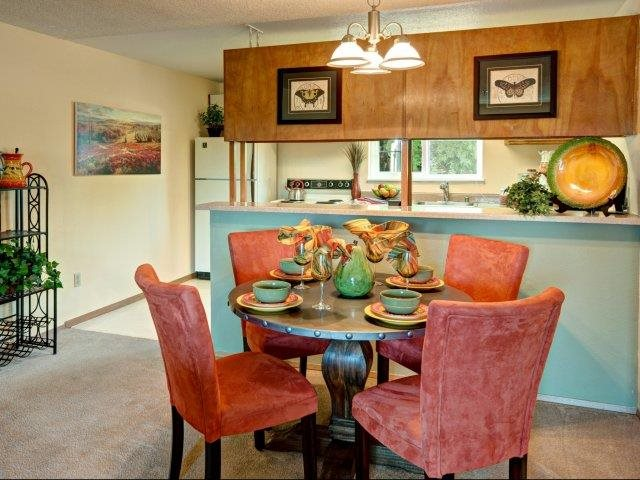 Riverwood Model Apartment Dining Room