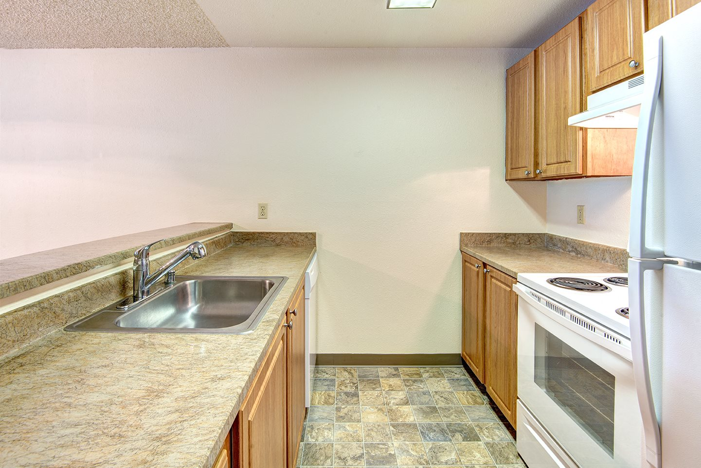 Riverwood Second Vacant Upgraded Kitchen