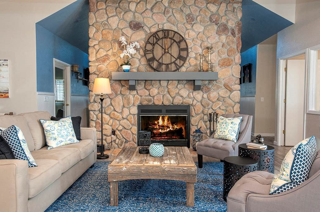 Rocklin Gold Clubhouse Seating Area & Fireplace