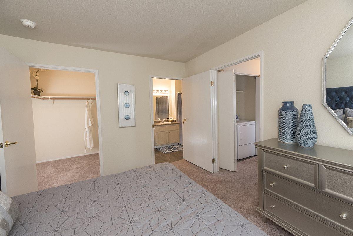 Rocklin Gold Model Master Bedroom & Walk In Closet