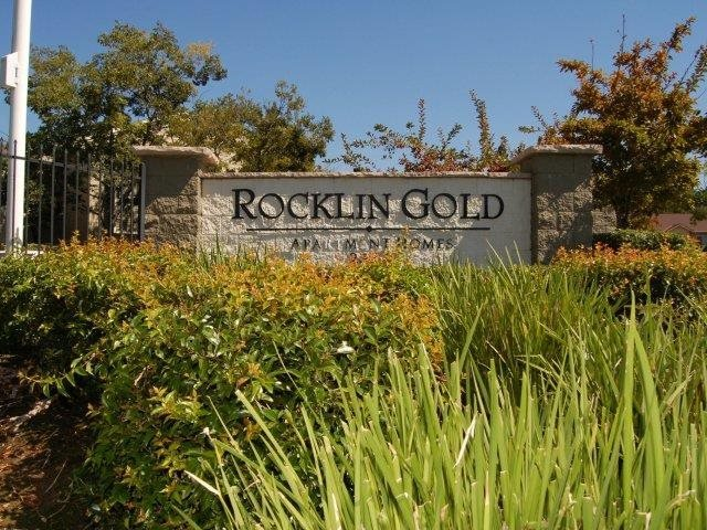 Rocklin Gold Property Entry Monument