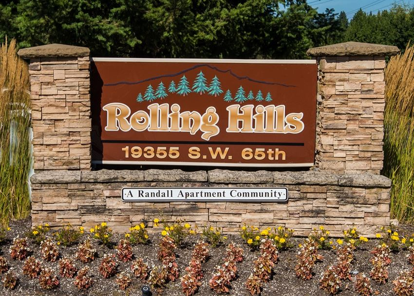 Rolling Hills Property Entry Monument