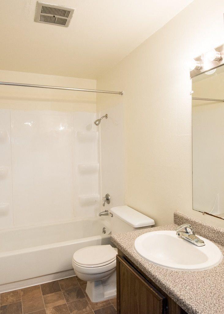 Rolling Hills Vacant Apartment Bathroom
