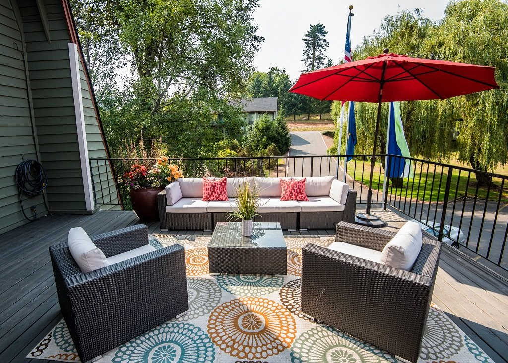 Shadow Hills Clubhouse Patio & Outdoor Lounge