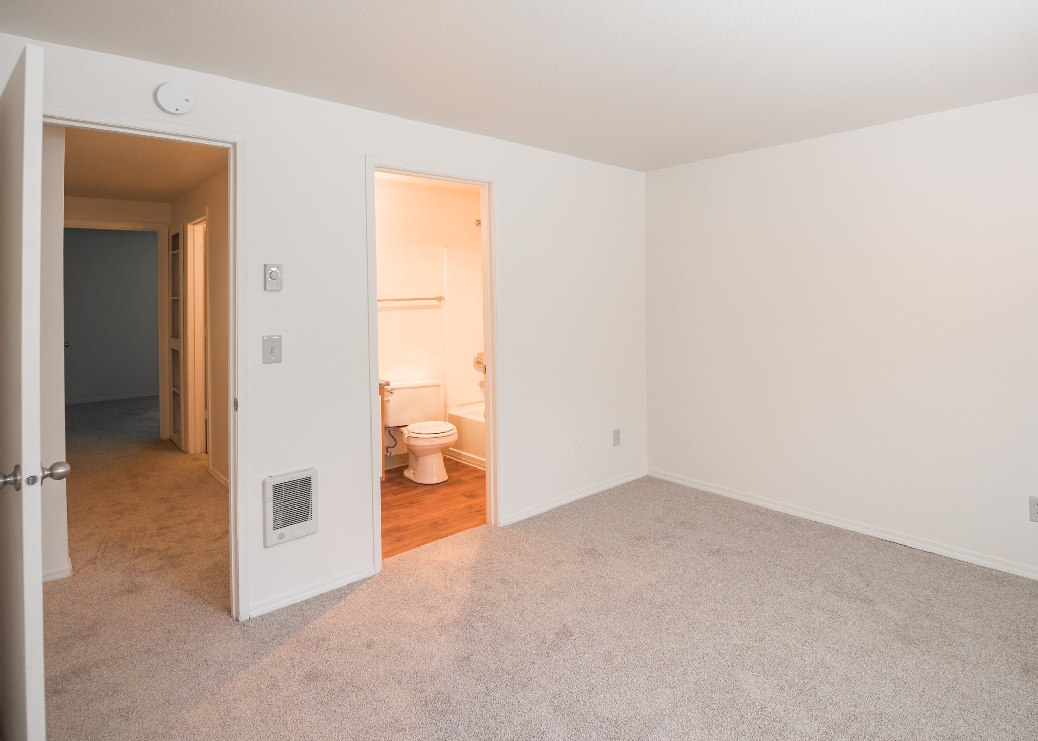 Shadow Hills Vacant Apartment New Master Bedroom & Bathroom