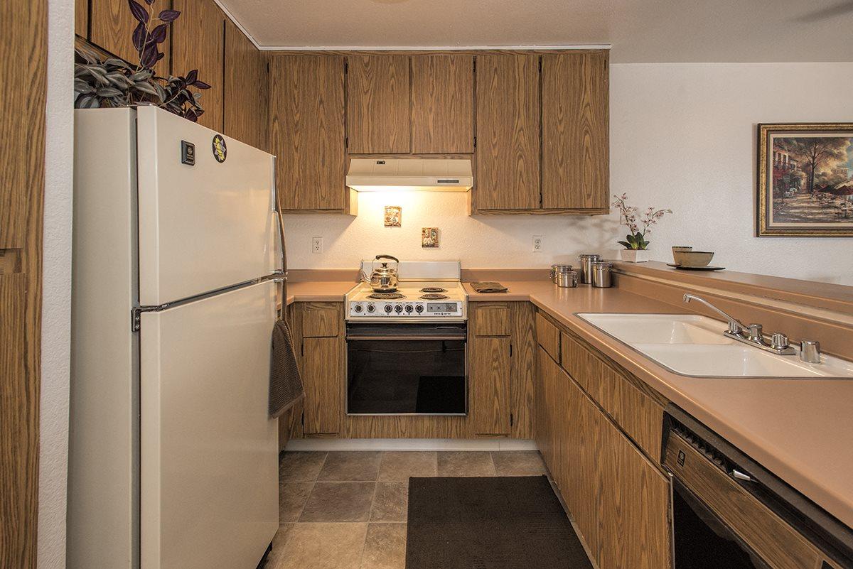 Sierra Glen Model Classic Kitchen