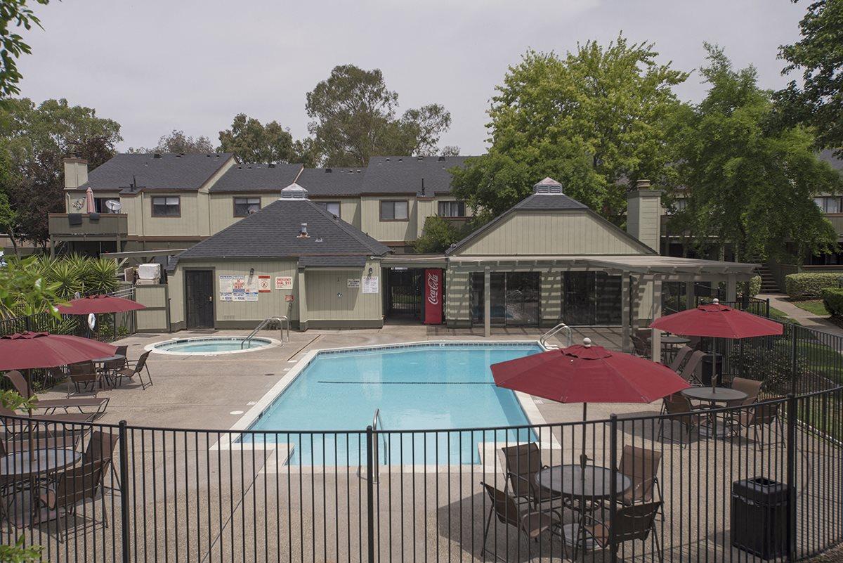 Sierra Glen Pool & Spa